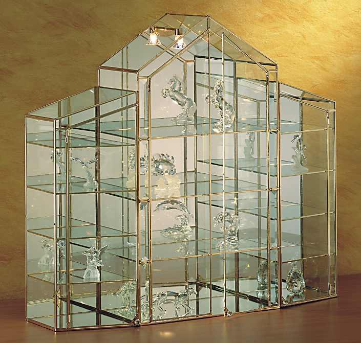 Vetrine di lusso da esposizione in oro a 24 carati per for Vetrine in cristallo arredamento